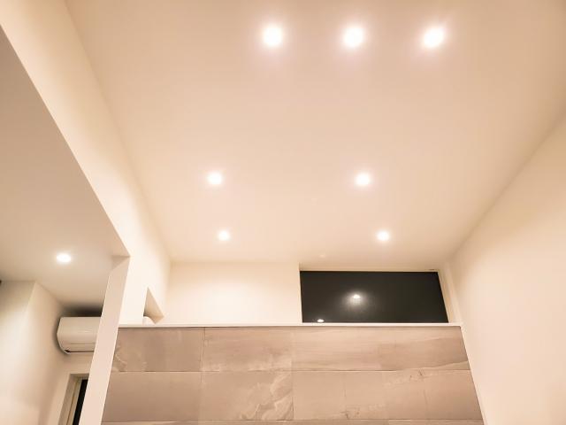 マンションの天井高さの平均はいくつ?階数によって異なる天井高!